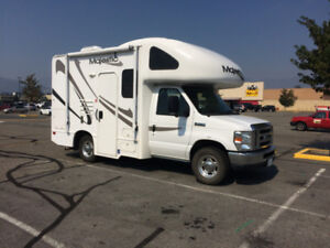 Majestic 19G 2010 Motor Home in Excellent Shape