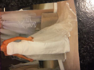 Old Hollywood bridal gown and train