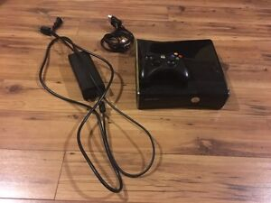 Xbox 360 w/ Kinect , Wireless Controller and All Cables