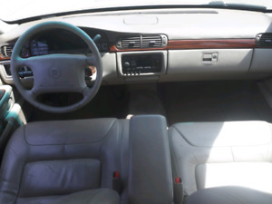 1998 CADILLAC DEVILLE NO RUST ONLY 140KMS 10/10 CONDITION 1200$