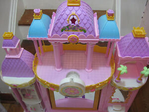BARBIE PRINCESS PLAY DRESSER AND BARBIE BED WITH MELODY Cambridge Kitchener Area image 6