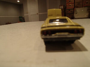 Loose Light Gold 1968 '68 DODGE CHARGER R/T by JOHNNY LIGHTNING Sarnia Sarnia Area image 4