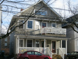 1 bedroom sublet with opportunity to sign year lease