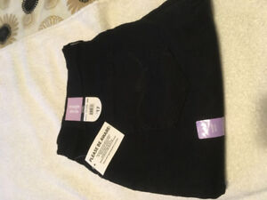 $12 - Woman's new black George Classic pants