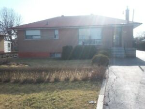 Bungalow for Rent in South Oakville