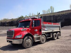 Camion a benne Freightliner- 12 Roues