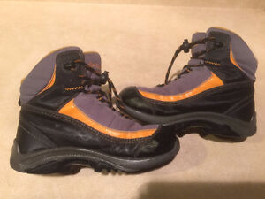 Youth Columbia Waterproof Winter Boots Size 1 London Ontario image 6