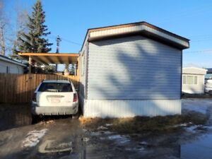 Great Starter home in the valley of Hinton!