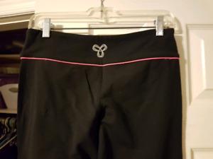 TNA yoga pants black size medium
