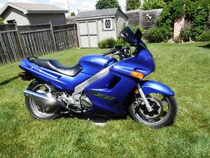 2003 Kawasaki ZZR 250 Low Low Kms! Excellent Shape!