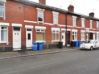 **QUICK** 2 BED TERRACED ON ALMOND STREET!! £475!!