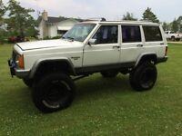 """1991 Cherokee 8 1/2"""" lift on 35's"""