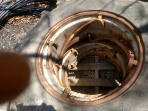 Allis Chalmers D 15 rims and tires