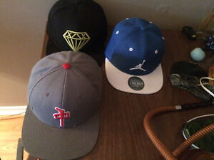 * 75$ FOR ALL 5 OBO !! * Assorted snap backs for sale
