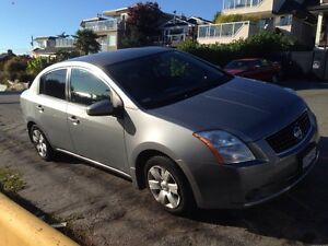 2009 Nissan Sentra $5500, automatic, great condition, 198,000km