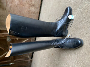 BRAND NEW Size 9 - Wide calf - Tall Boots