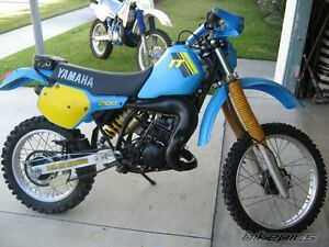 LOOKING FOR AN 1980 S IT YAMAHA 200 like in pic