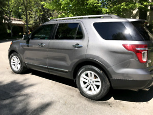 2012 Ford Explorer XLT, Cuir, GPS, DVD, Attaché Remorque