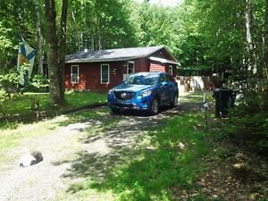 Cottage / Home with deeded access to Sherbrooke Lake