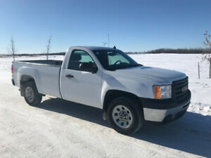 2013 GMC Sierra 4x4 in Excellent Condition