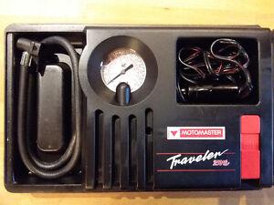 Mini compresseur 12 volts pour pneus, ballons...