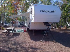 2004 30' Flagstaff by Forest River 5th Wheel