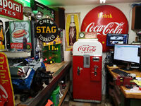 Country Collectors Looking for Old Signs & Gas Pumps