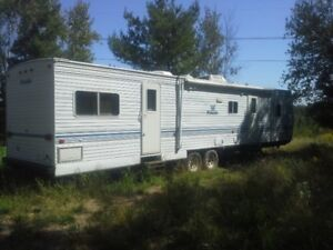 2001 PROWLER TRAVEL TRAILER