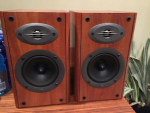 Celestion F15 Bookshelf speakers