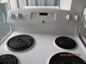 KENMORE STOVE VERY CLEAN