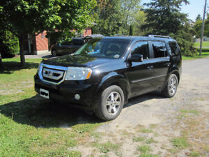 2010 Honda Pilot Touring - Black