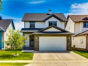 Stunning HOME for SALE in Okotoks **GREAT PRICE**MUST SEE**