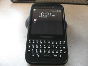 Blackberry Q5 Unlocked