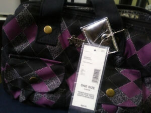 BRAND NEW LADIES/GIRLS/WOMENS LUNCH BAG, VERY NICE GIFT LINED,