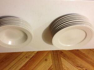 plates  Ceramic West Island Greater Montréal image 4