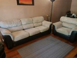 **SOLD PENDING PICK UP**Couch Set
