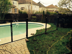 Cl ture piscine cl ture bois cl ture verre hybride pool for Cloture amovible piscine quebec