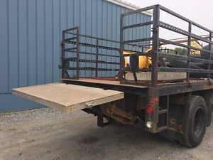 Flat deck with hyd lift gate
