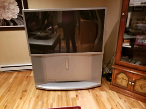 Sony 52 inch tube television