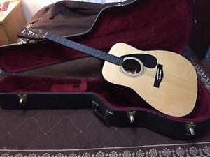 Mint Yamaha acoustic guitar Regina Regina Area image 1