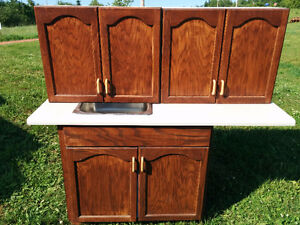 Lower kitchen cabinet - Oak - UPPER CABINETS  SOLD
