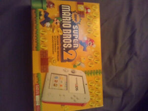 Nintendo 2DS - Scarlet Red & White