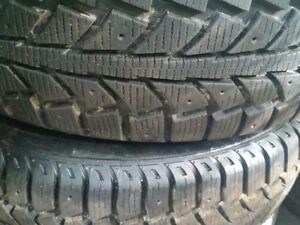 4 TIGER PAW UNIROYAL WINTER TIRES 185/60R/15