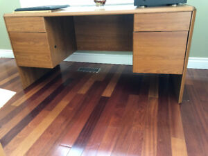 good condition full size desk with drawers
