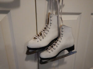 Young Girl CCM Figure Skates