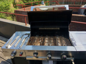Used Cuisinart 850 Propane BBQ with tools