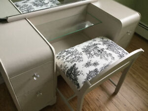 Makeup Vanity and bench for sale