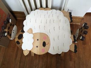 Table d'appoint pour enfants