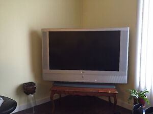 SONY LCD PROJECTION TV KF-50WE620