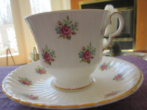 Vintage Royal Winsdor Cup and Saucer - Pretty florals